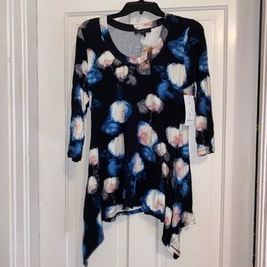 Karen Kane blue floral top size medium